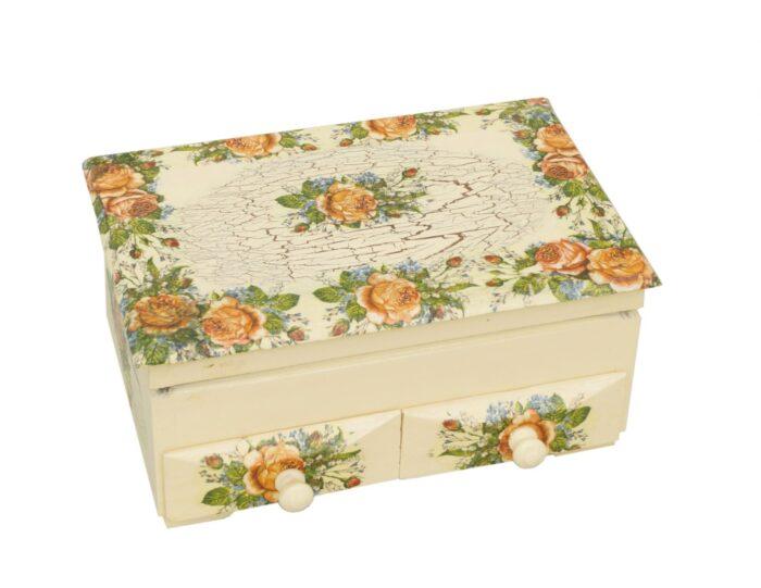 drewniana-szkatulka-na-bizuterie-malowana-decoupage