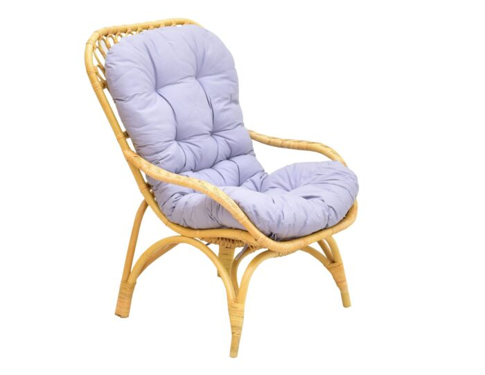 krzeslo-rattanowe-z-poduszka-miod